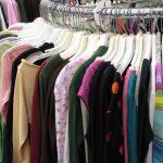 Kilo czy wycena – co lepsze dla klienta sklepów odzieży używanej?
